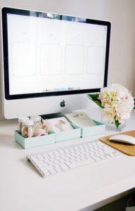 1.-A-Pretty-Organized-Desktop-_-Pretty-Fluffy-for-IHeart-Organizing